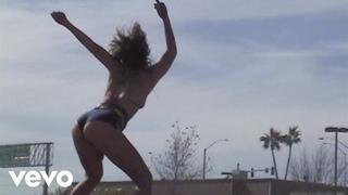 Tove Lo - Bikini Porn