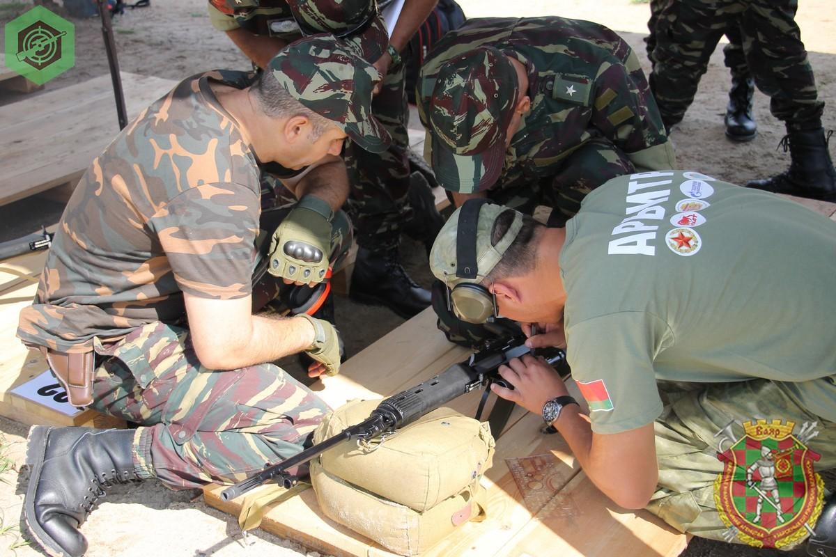 Photos de nos soldats et des Bases Marocaines - Page 7 I4s_hUbqyGI