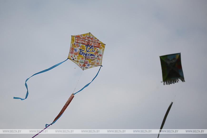 Фестиваль воздушных змеев провели в Бресте на Тысячелетие
