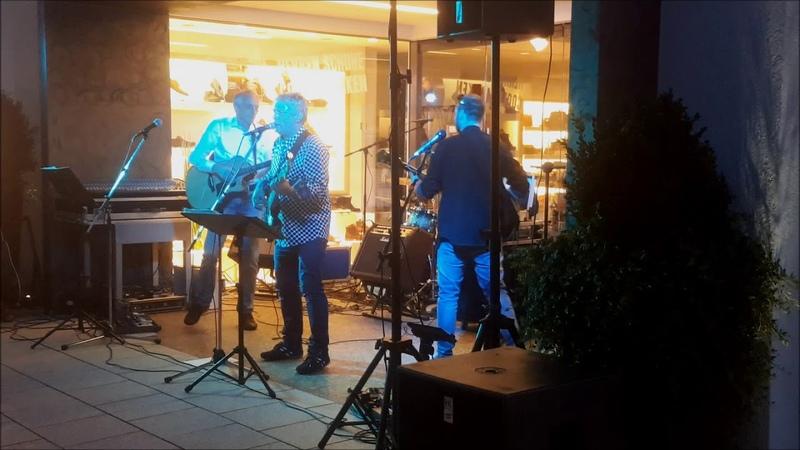 String Guest III @ Milchbar Strassenfest Reit im Winkl 14.8.19 ® by HKH Webmaker © www.LosRein.de