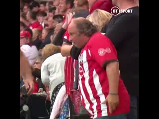 This southampton fan brought the energy today 🙌