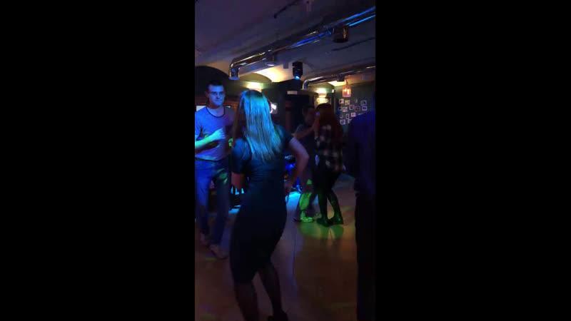 MALECON 17 11 2019 bar Gosty