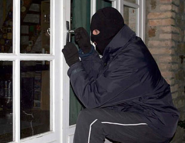 Под Таганрогом сотрудники полиции задержали вора-рецидивиста