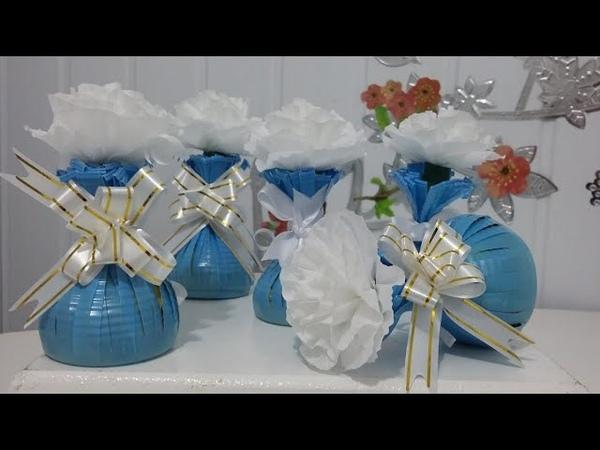 Aula 31 Como fazer lembrancinhas com flores de papel crepom bombons e copos descartáveis