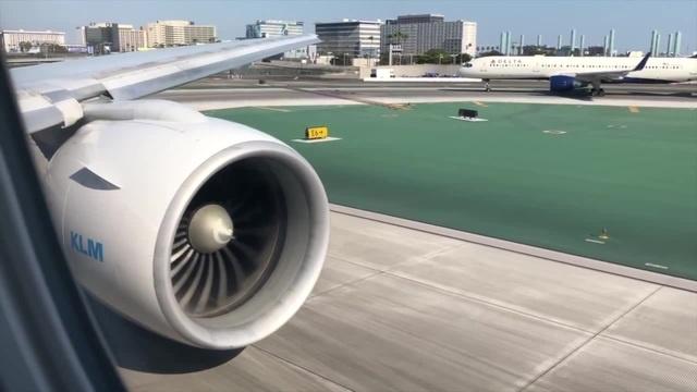 RAW POWER! KLM BOEING 777 200ER Takeoff Landing LAX to AMS w ATC · coub, коуб