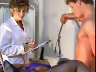 Порно Фильм с переводом Private Gold models ( Julia Chanel Анальная клиника ) - фильм целиком 1993
