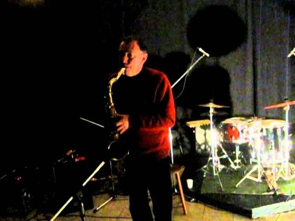 John Butcher solo saxophone live at Gunther Antwerpen 2012 02 22 part 1 4