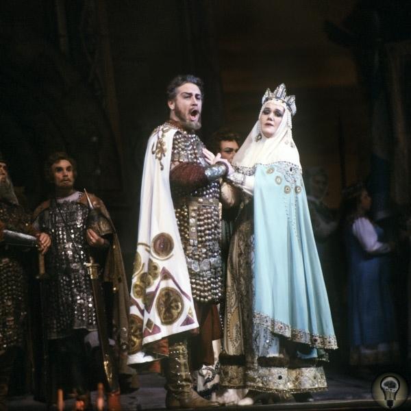 Ярославна, которая плачет Это самая известная княгиня в древнерусской истории, за исключением разве что княгини Ольги. При этом знаем мы о ней крайне мало. Знаменитый плач В начале XIX века