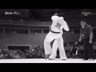 Удар ножницами в падении. Техника. Tobi mawashi geri. Удар НОЖНИЦЫ в Киокушинкай каратэ