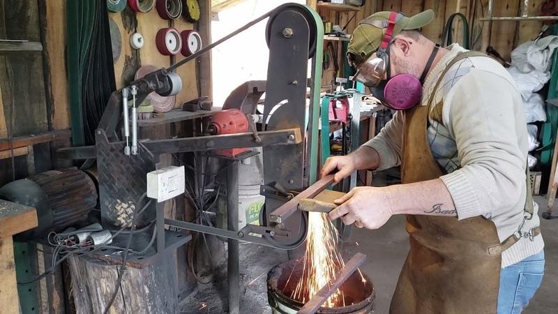 Faca em damasco feita parte a parte(parte 3)processo de lixamento do bili para Caldear segunda vez
