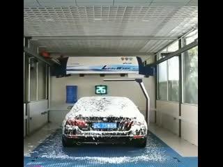 Высокие технологии () - Автомойка , довольно впечатляющая.