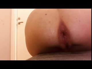 Analonlyjessa food porn, bottle and fisting sex solo