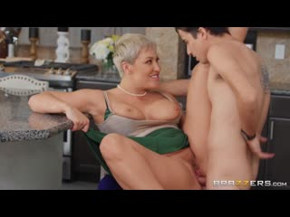 Eating Out for Thanksgiving 1080 Anal, Big Ass, Big Tits, Latina