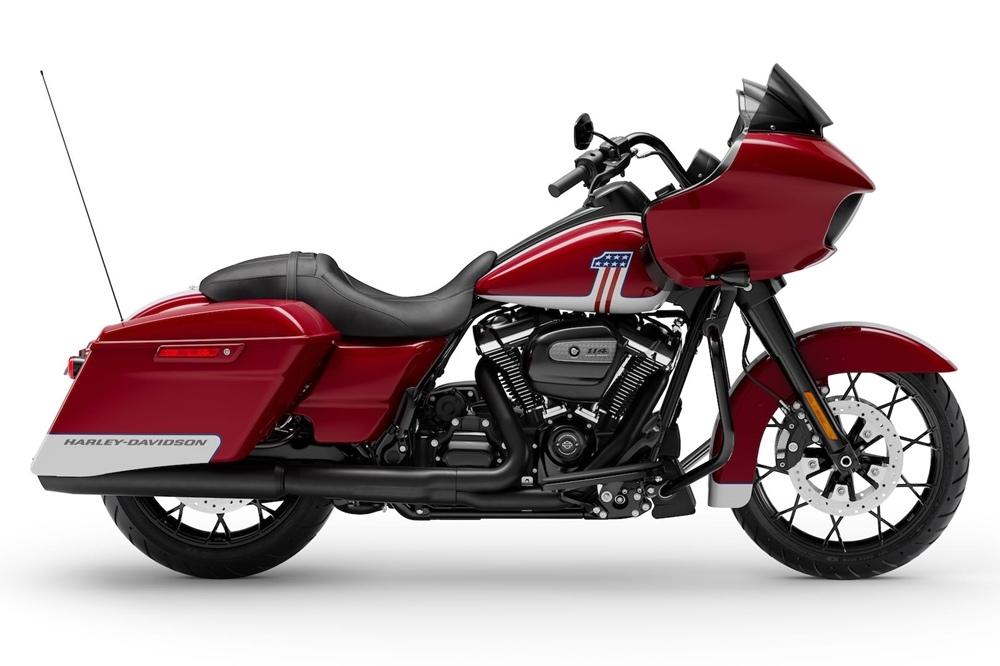 Лимитированный мотоцикл Harley-Davidson Road Glide Special с американизированной расцветкой