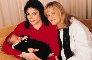 Дамы сердца Майкла Джексона. Дебби Роу: друг познается в беде, изображение №4