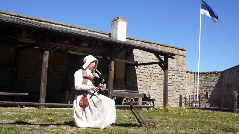 Bagpipe Shuttlepipe 17 century music Life video from Narva Castle Norh Court Estonia