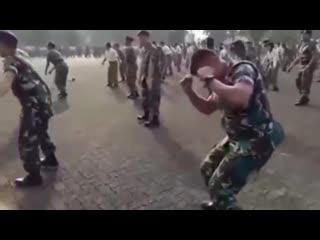 Буй Буй Буй. Потанцуем Танец маленького мальчика и солдата