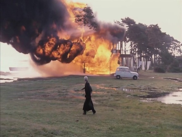 House fire scene from Andrei Tarkovskys The Sacrifice (1986) offret