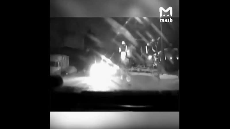 1 Полиция провела антинаркотический рейд в ночнойклуб2 Алкашка буянила в отделении полиция и сломала ногу 3 Сын руковод