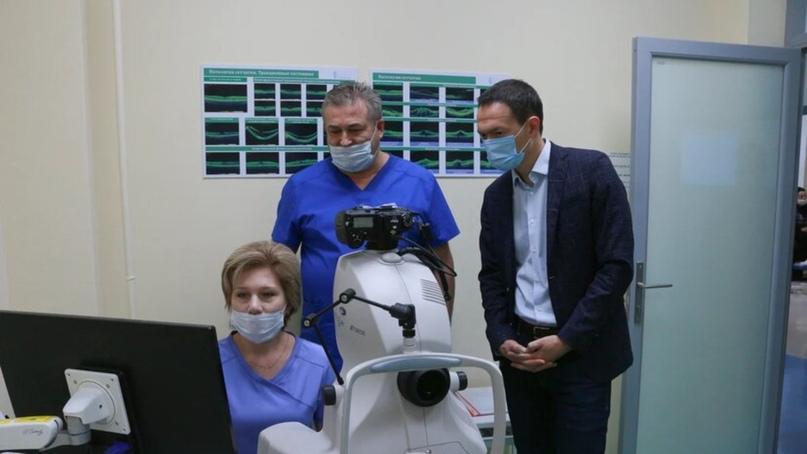 Тимур Нагуманов посетил центр глазной хирургии в Альметьевске