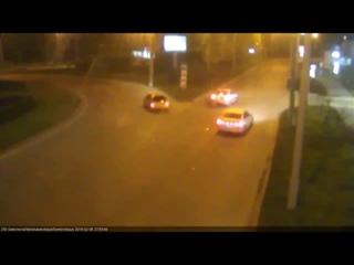 Такую аварию камера ЕДДС сняла вчера на перекрестке Селезнева/Сормовская