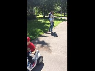 В Комсомольском парке с другом Мишей