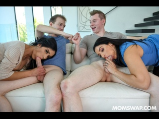 Sheena Ryder, Tia Cyrus - Grass Is Greener On The Other Side [PornCube ПОРНО ВК new Porn vk HD 1080 Big Ass, Big Tits Milf