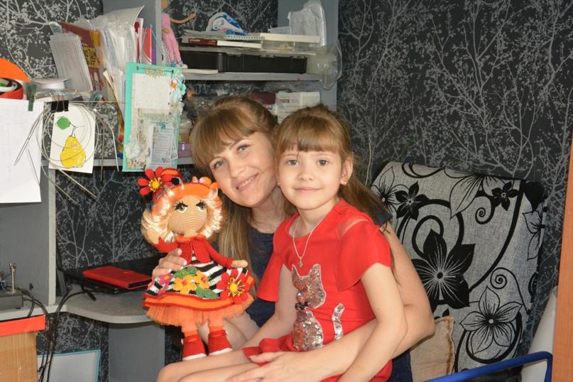 Оксана Миняева с младшей дочерью Марьяной