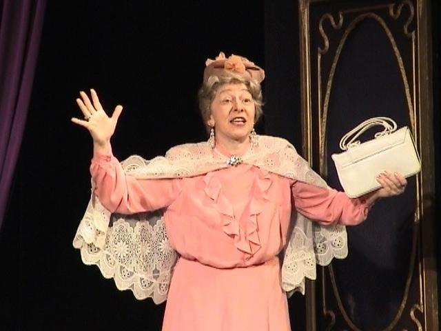 Роза Александровна в спектакле «Ретро»