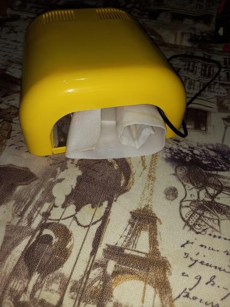 Продам маникюрную лампу за 400Не хватает одной лам...