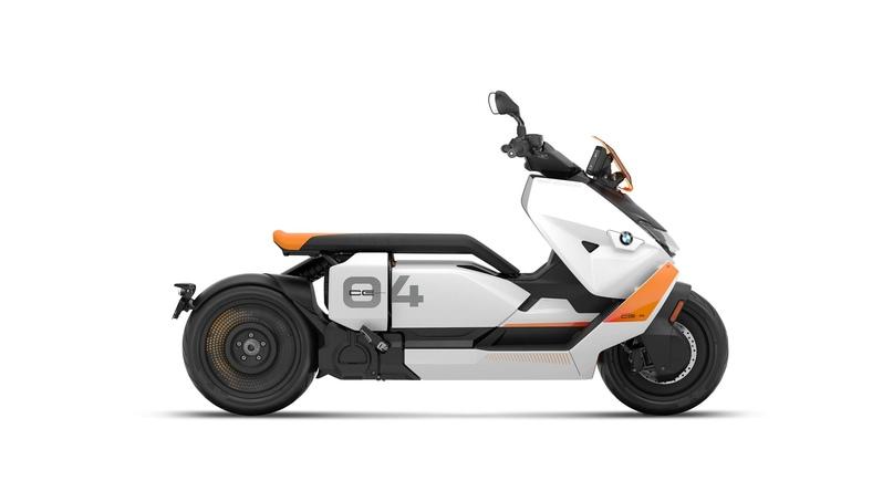 Электроскутер BMW CE 04 2022