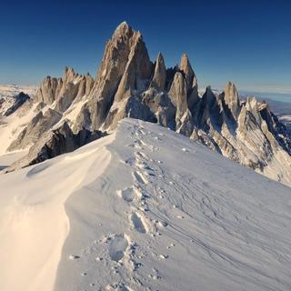 Знаменитый бельгийский альпинист и скалолаз Шон Виллануэва О'Дрисколь совершил самое впечатляющее и амбициозное соло-восхождение в Патагонии!