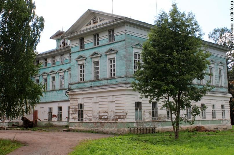 В ближайшее воскресенье волонтеров ждут в усадьбе Спасское-Куркино на работы по благоустройству