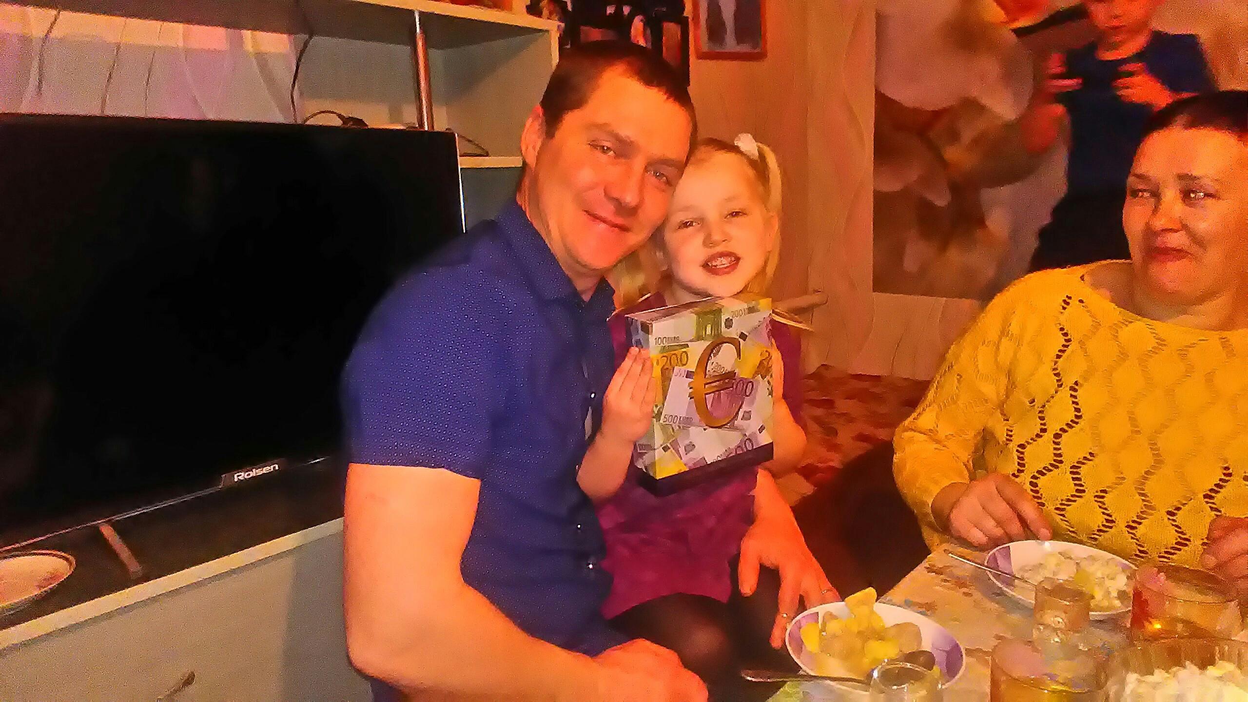 Олег, 33, Khabarikha