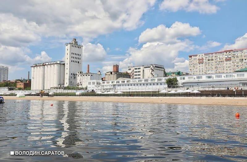 На новой набережной Саратова открылся пляж