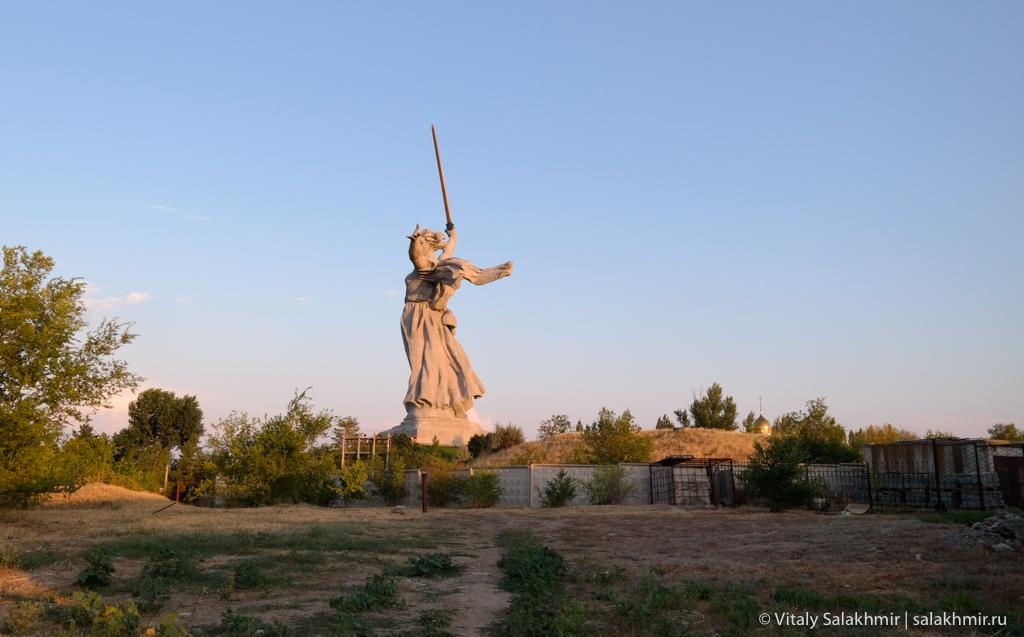 Ракурс скульптуры Родина-мать, Волгоград 2020