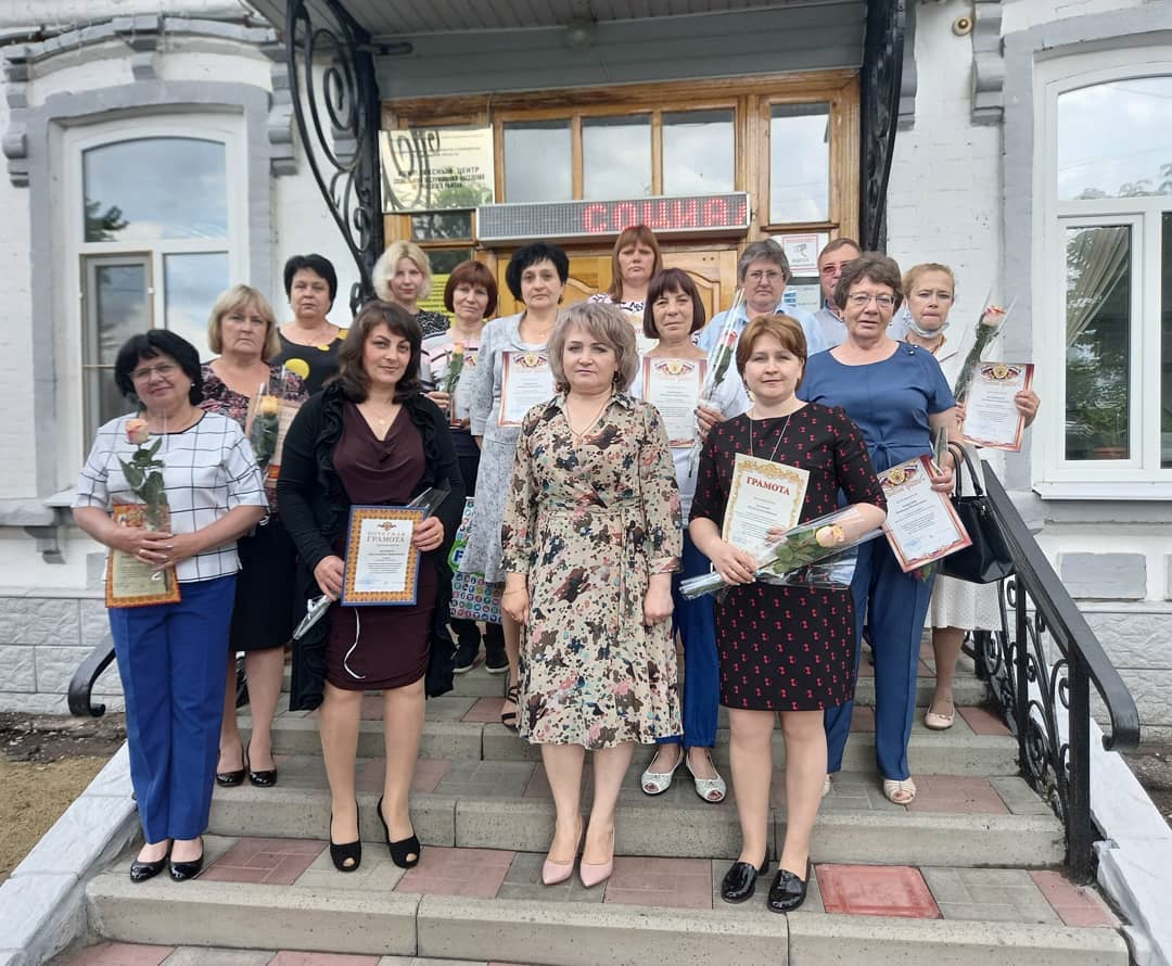 Сегодня в комплексном Центре социального обслуживания населения Петровского района состоялось торжество, посвящённое предстоящему Дню социального работника