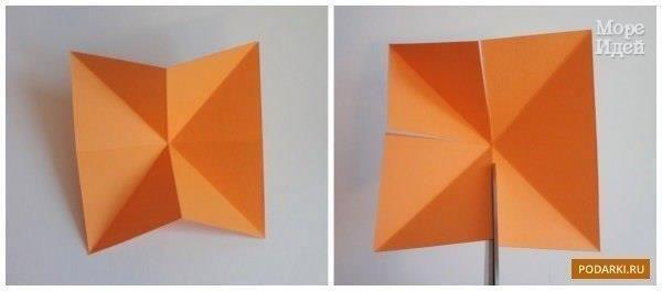 ОБЪЕМНАЯ ЗВЕЗДОЧКА 1) Вырезаем из картона квадрат и складываем в обе стороны пополам и по диагонали. 2) Затем по сгибам в центре каждой стороны делаем надрез не доходя до середины квадрата 2-3
