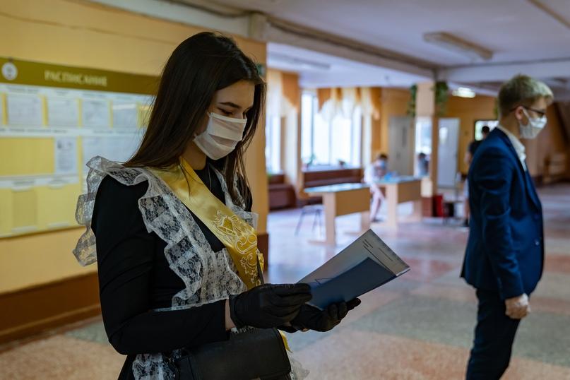 Ухтинские школьники шагнули во взрослую жизнь, изображение №5