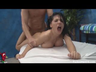 Rebeca Linares- Худенькая испанка на массаже Teen Pussy