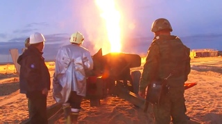 """Пушка МТ-12 """"Рапира"""" при тушении пожара на скважине """"Арктикгаза"""" под Новым Уренгоем"""