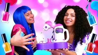 Смешные видео - Маникюр для Принцесс ДИСНЕЙ! Игры для девочек одевалки с пластилином Плей До