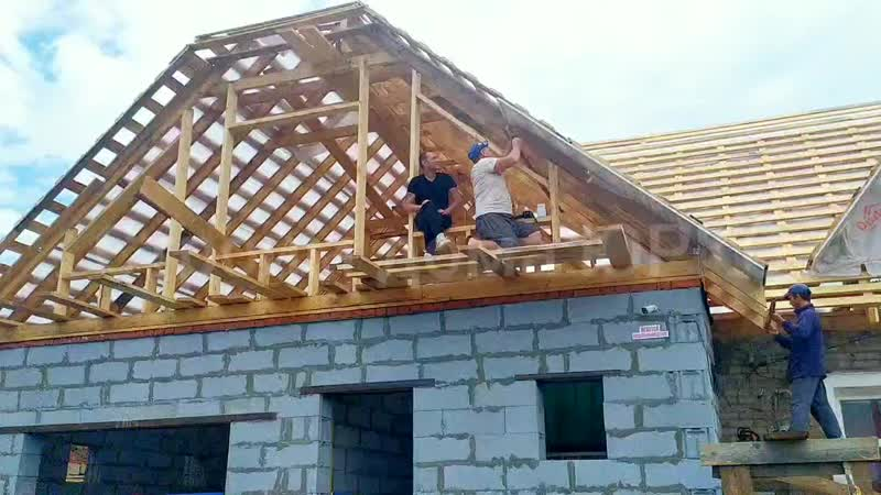 Построить крышу в Перми. Строительство крыш для домов, бань из металлочерепицы