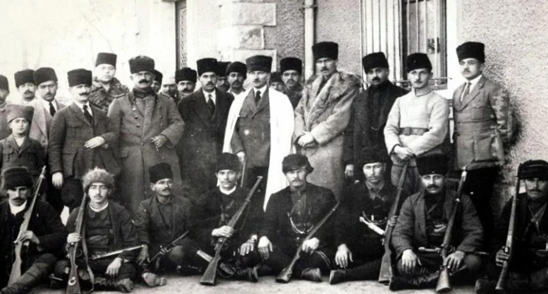Кемаль и его соратники