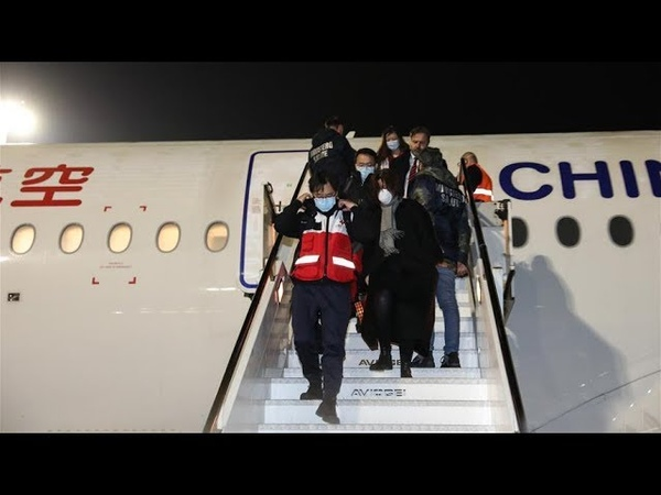 China's expert team medical supplies fly into Rome