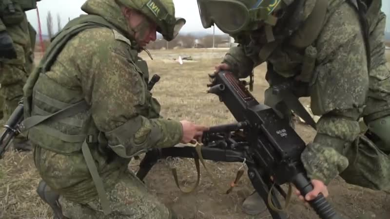 Занятия российских миротворцев по огневой подготовке